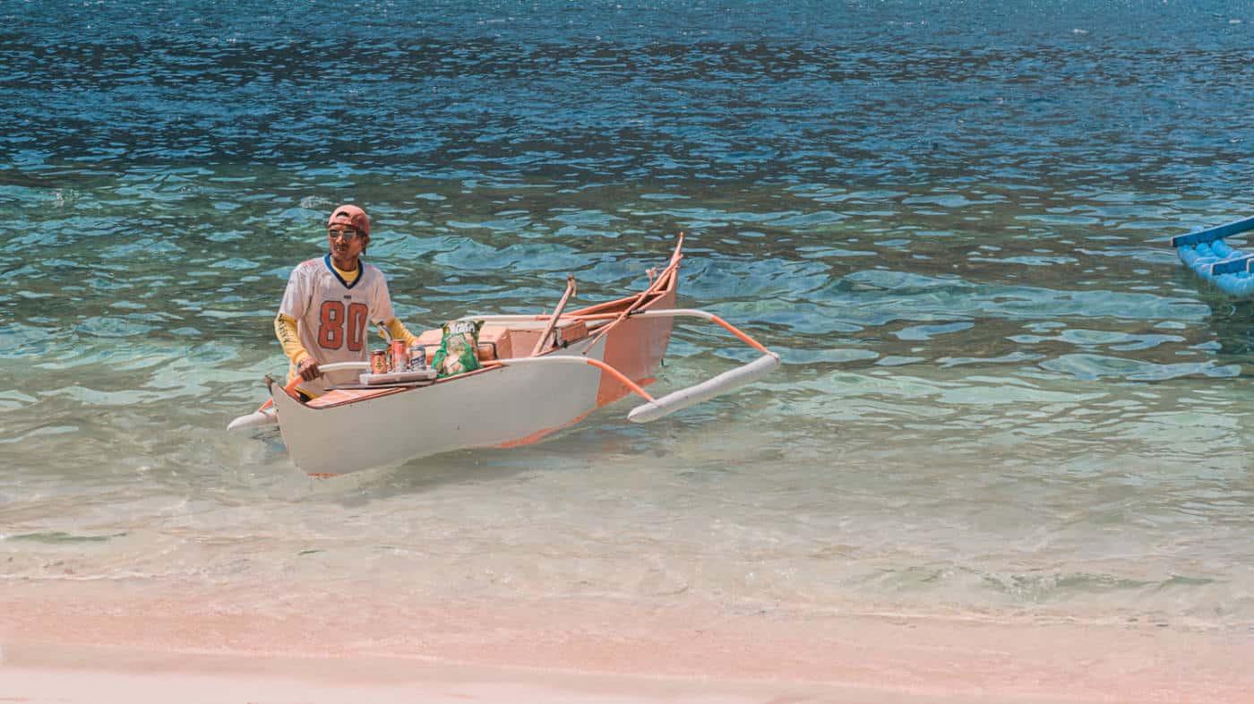 Palawan itinerary- island hopping boat trip in el nido Philippines