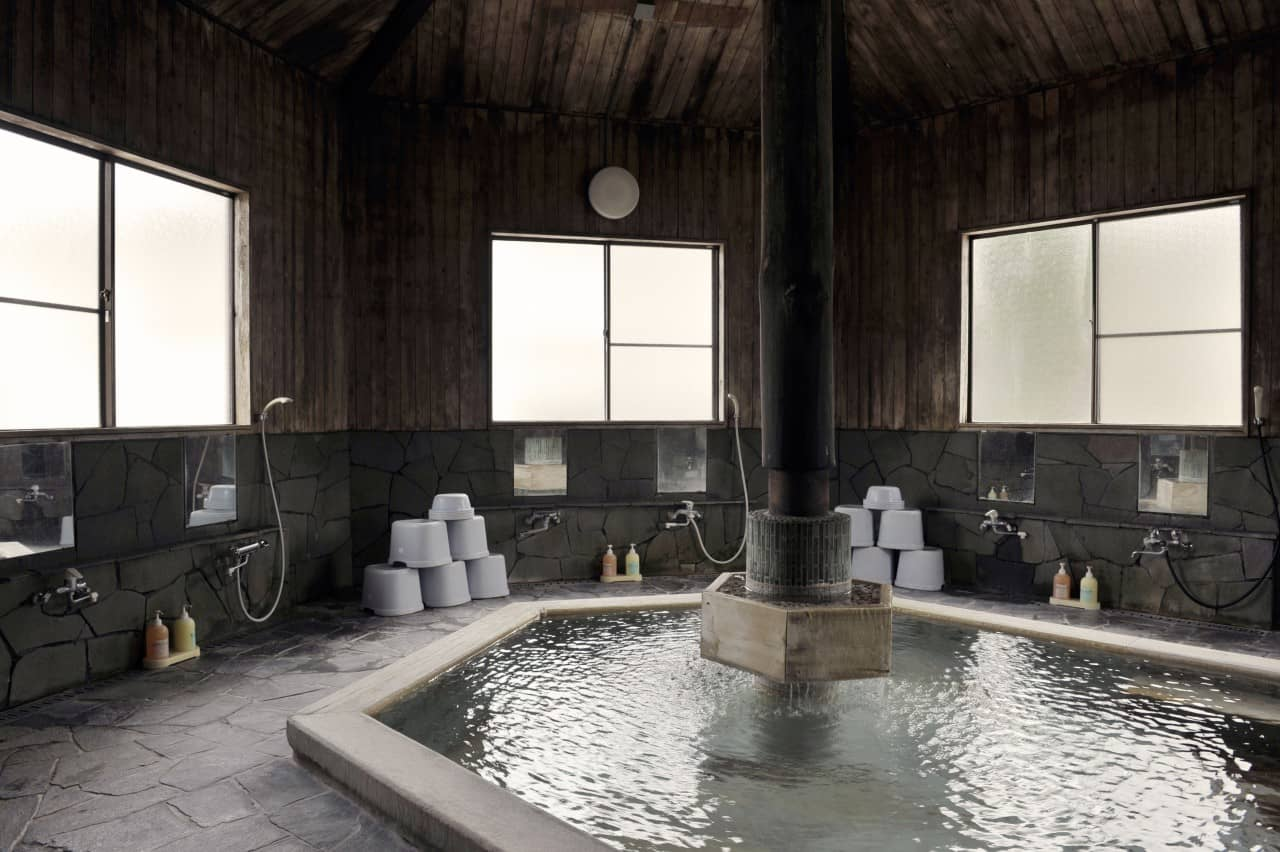 How to onsen at the Japanese hot springs