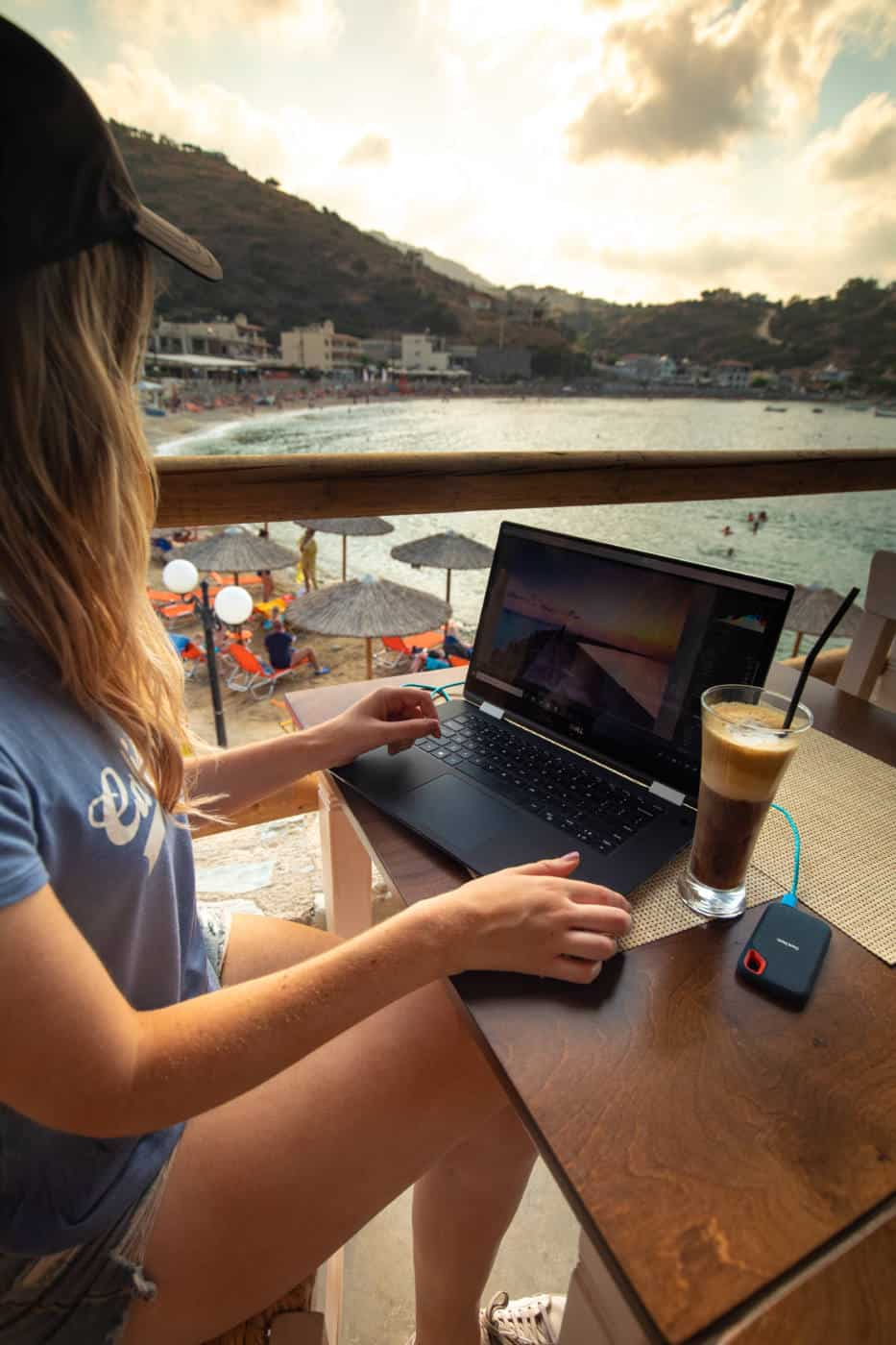 Working on the beach as a digital nomad in Greece