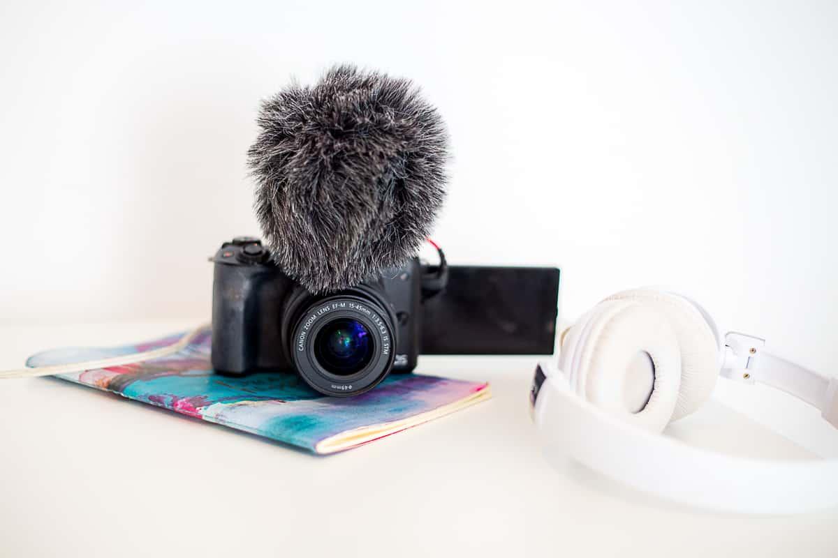 canon m50 cheap vlogging camera with flip screen-2