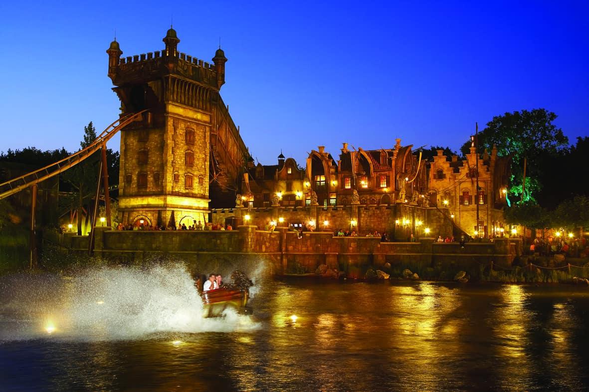 Efteling attraction Die Vliegende Hollander water coaster rollercoaster