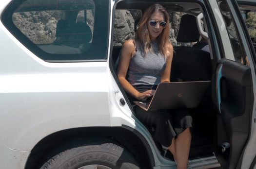 26 Location Independent Jobs You Can Do While Travelling