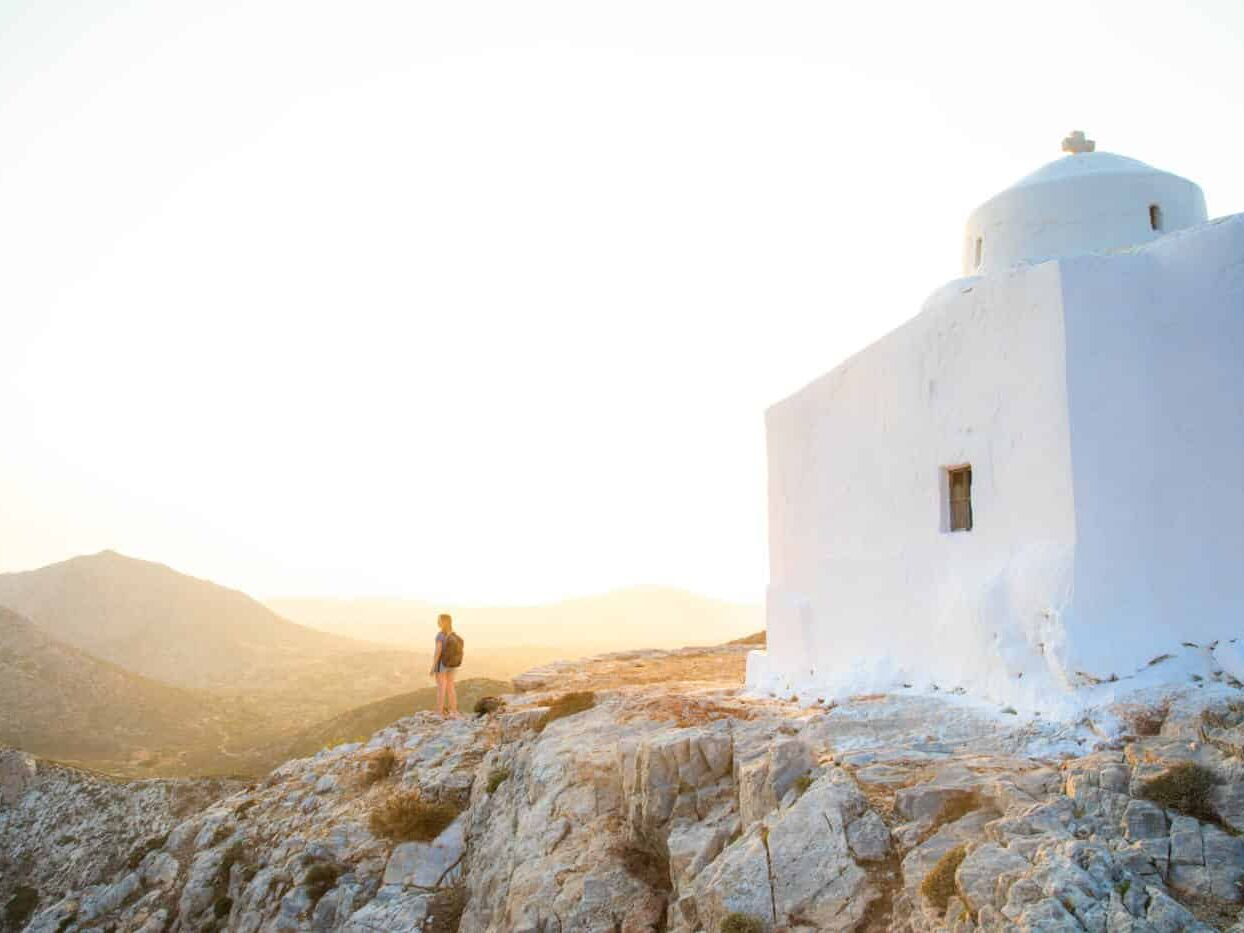 Greek island hopping itinerary for 14 days