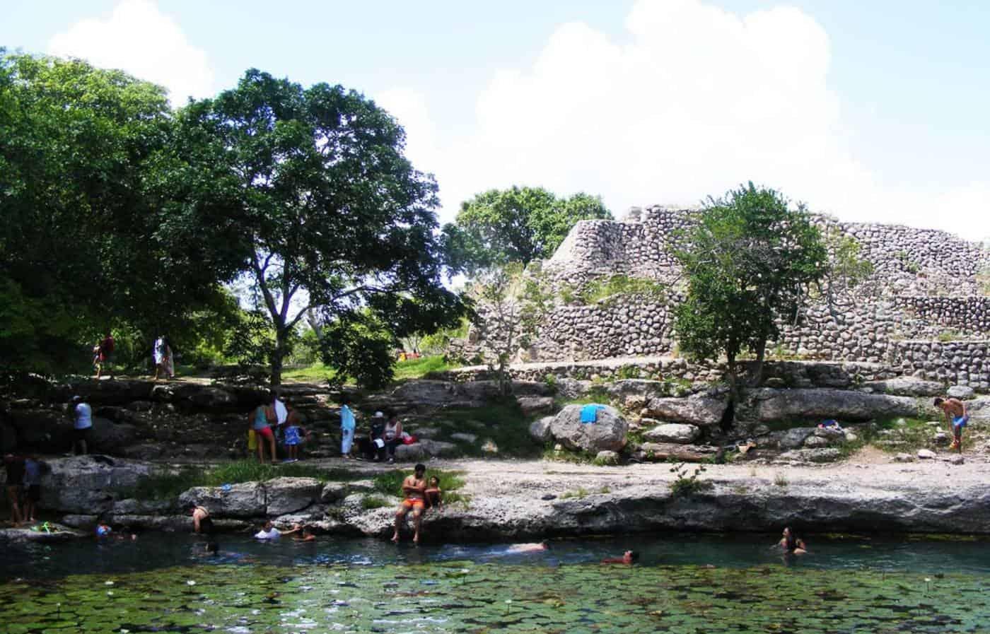 xcalah-cenote-at-Dizzy