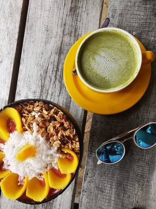 Power bowl and matcha latte at Shaka Cafe in Siargao Philippines